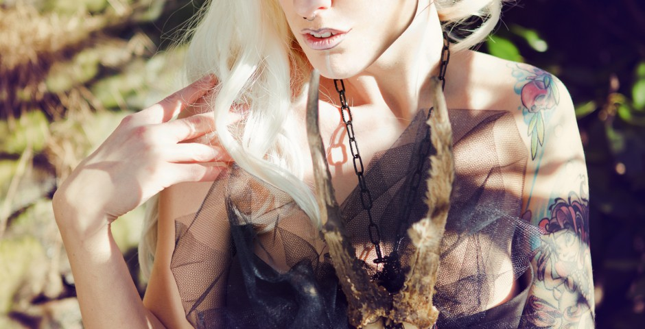 Photo: Felicia Püschl Photography. accessories, styling, hair/makeup: Kwipi