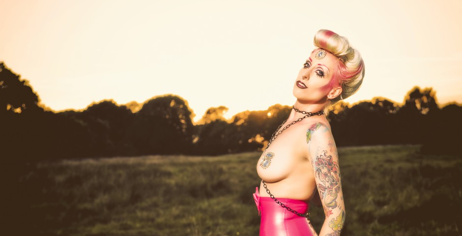 Photo: Peter Dominix. Makeup, hair and styling: Kwipi