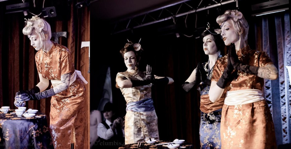 Photo: Patrik Petroff. Gangsters vs Geishas