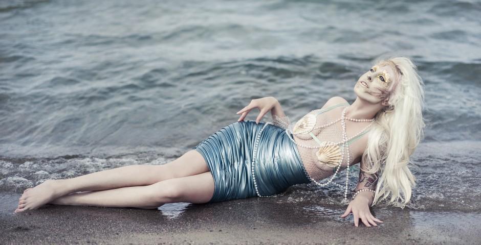 Photo: Sofia Studencki. Makeup, hair and styling: Kwipi